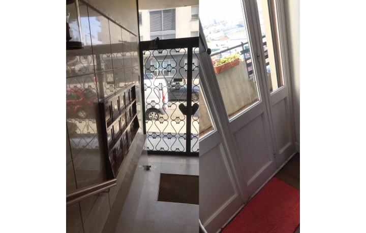 rue pierre delore 69008 lyon changer les fen tres fen tres. Black Bedroom Furniture Sets. Home Design Ideas