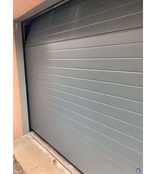 Porte de garage Grise rue Brosselette 69200 Venissieux