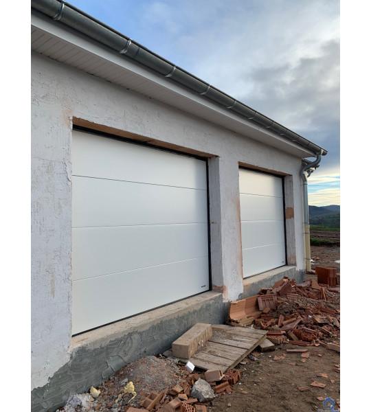Double porte de garage blanche 42620 Saint-Martin-d'Estréaux